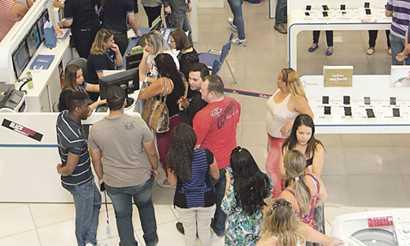 Consumidores vão às compras na Black Friday Diário do Grande ABC - Notícias e informações do Grande ABC: Santo André, São Bernardo, São Caetano, Diadema, Mauá, Ribeirão Pires e Rio Grande da Serra
