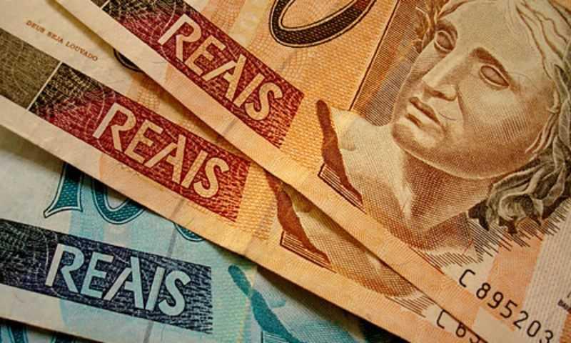 PIB acumula queda de 4,7% em 12 meses, diz FGV