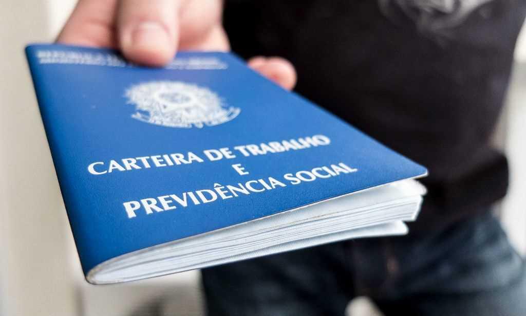 Brasil perdeu 63.624 vagas formais de emprego em março — Caged