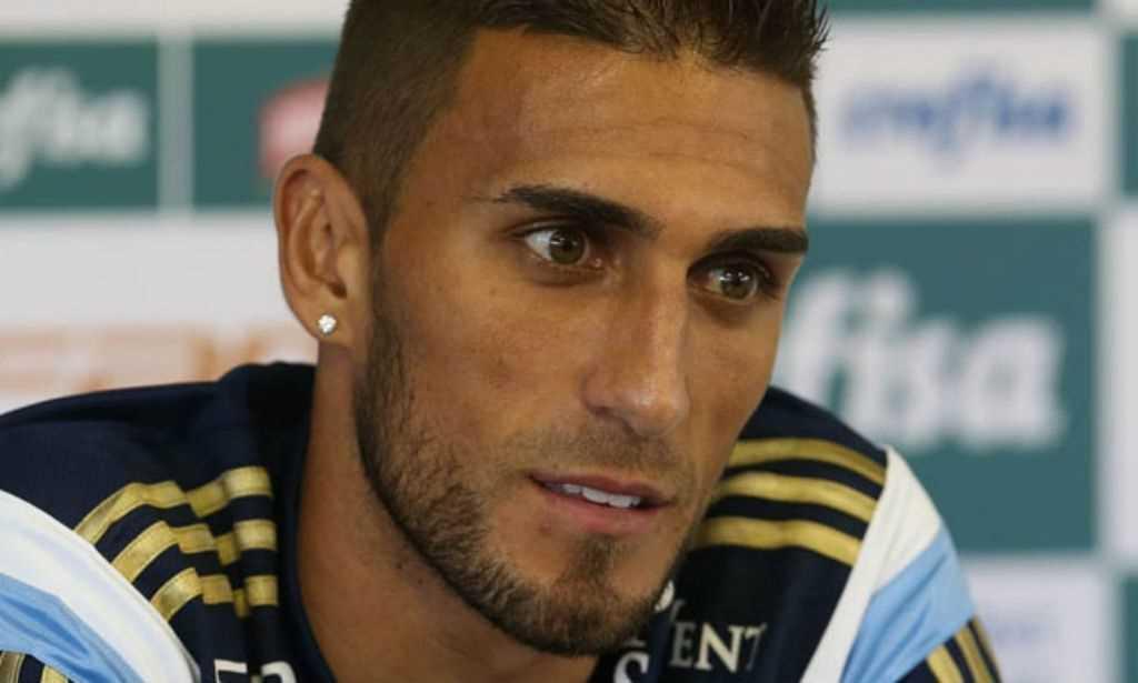 Aprovado em exames médicos, Rafael Marques assina com o Cruzeiro até 2018
