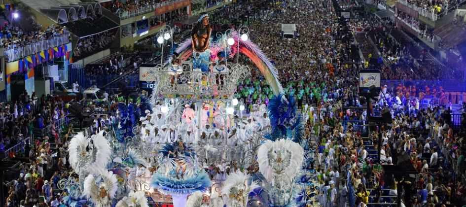 Resultado de imagem para Beija-Flor é a grande campeã do Carnaval do Rio 2018
