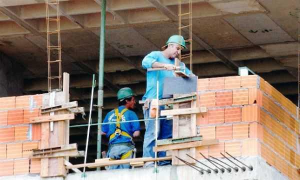 Indústria de materiais de construção deve crescer até 2% em 2018, diz Abramat Diário do Grande ABC - Notícias e informações do Grande ABC: Santo André, São Bernardo, São Caetano, Diadema, Mauá, Ribeirão Pires e Rio Grande da Serra