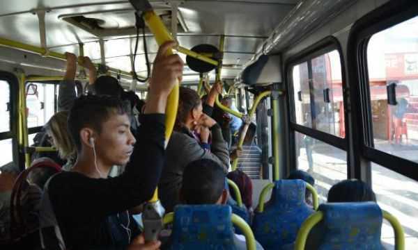 SP estuda como limitar reajuste de ônibus Diário do Grande ABC - Notícias e informações do Grande ABC: Santo André, São Bernardo, São Caetano, Diadema, Mauá, Ribeirão Pires e Rio Grande da Serra