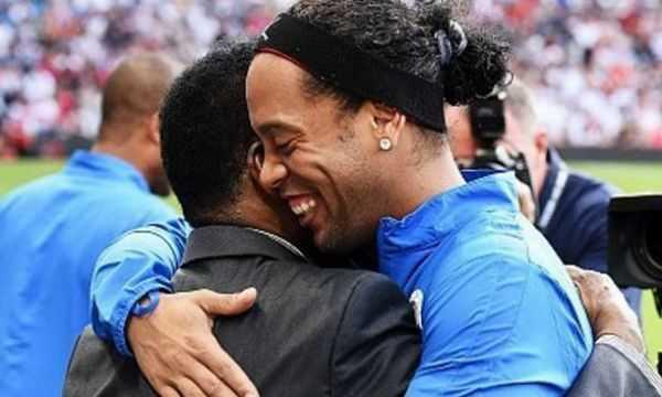 Pelé homenageia Ronaldinho: 'Você trouxe um sorriso no rosto de todos' Diário do Grande ABC - Notícias e informações do Grande ABC: Santo André, São Bernardo, São Caetano, Diadema, Mauá, Ribeirão Pires e Rio Grande da Serra