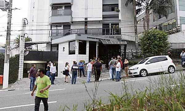 Casa de Lula é palco de protestos em S.Bernardo Diário do Grande ABC - Notícias e informações do Grande ABC: Santo André, São Bernardo, São Caetano, Diadema, Mauá, Ribeirão Pires e Rio Grande da Serra
