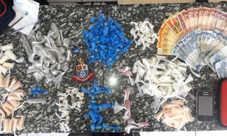 Homem é preso por tráfico de drogas em São Bernardo Diário do Grande ABC - Notícias e informações do Grande ABC: Santo André, São Bernardo, São Caetano, Diadema, Mauá, Ribeirão Pires e Rio Grande da Serra