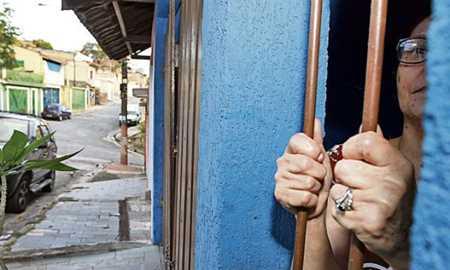 Assaltos em série assustam moradores do Jd.Santo André Diário do Grande ABC - Notícias e informações do Grande ABC: Santo André, São Bernardo, São Caetano, Diadema, Mauá, Ribeirão Pires e Rio Grande da Serra