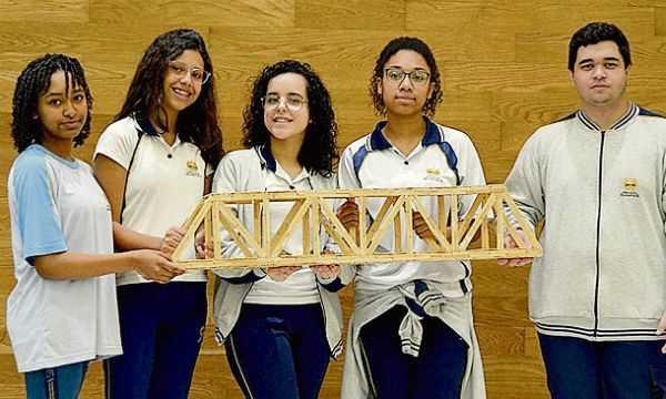 Estudantes de Diadema participam de desafio de pontes de palito de picolé - Diário do Grande ABC