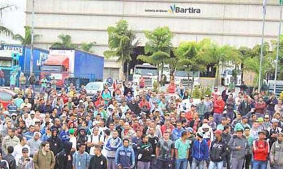 Funcionários da Bartira entram greve Diário do Grande ABC - Notícias e informações do Grande ABC: Santo André, São Bernardo, São Caetano, Diadema, Mauá, Ribeirão Pires e Rio Grande da Serra